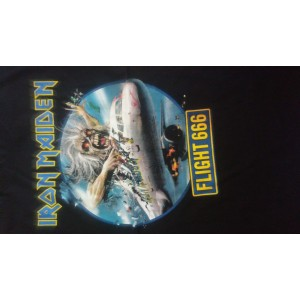Iron Maiden Flight 666 Playera Manga Corta Talla Mediana Pocas Piezas
